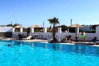swimming-pool-naxos-6